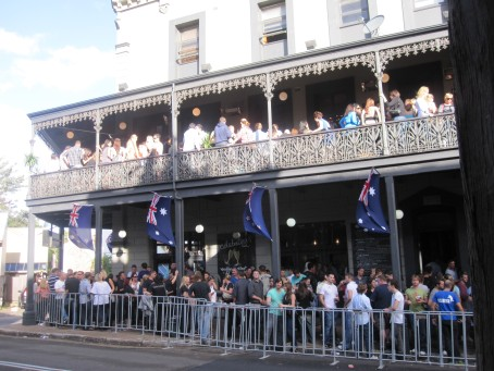 Balconies brimming @ the Exchange Hotel, Balmain on Anzac Day 2010