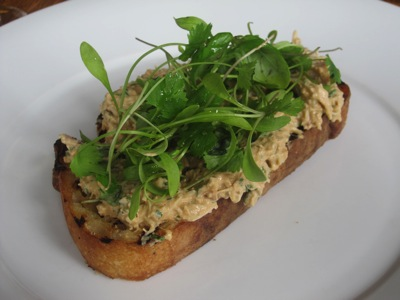 crab toast with earth course 1 la toast au crabe et sauce earth crab ...